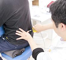 坐骨神経痛の電気施術